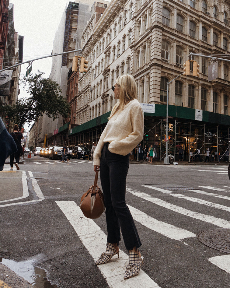 rails, 3x1 Empire Crop Flare jeans, miista shoes, vasic bag