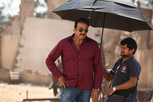 Sanjay Dutt Latest Stills at Policegiri Shooting Location ...
