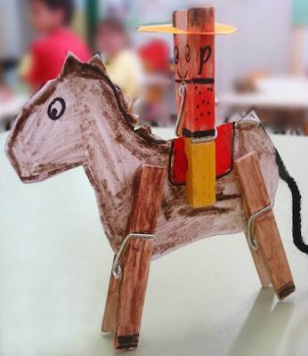 Un jinete en su veloz caballo.