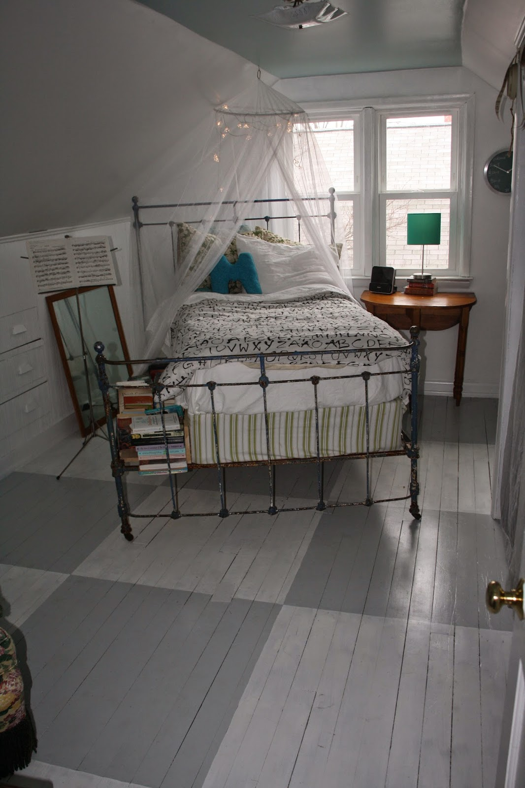 7 Bedroom House For Rent: CowfeathersFarm: Before And After- Salem House Bedroom