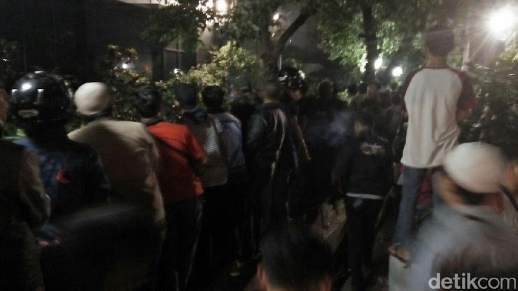 Polisi Tangkap 5 Provokator Rusuh di Depan LBH Jakarta