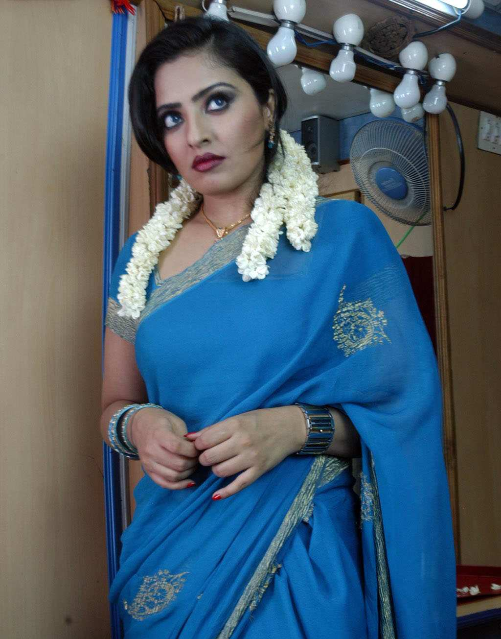 Welcome To Hi 2 Photospot: Mumtaz Hot & Spicy Stills
