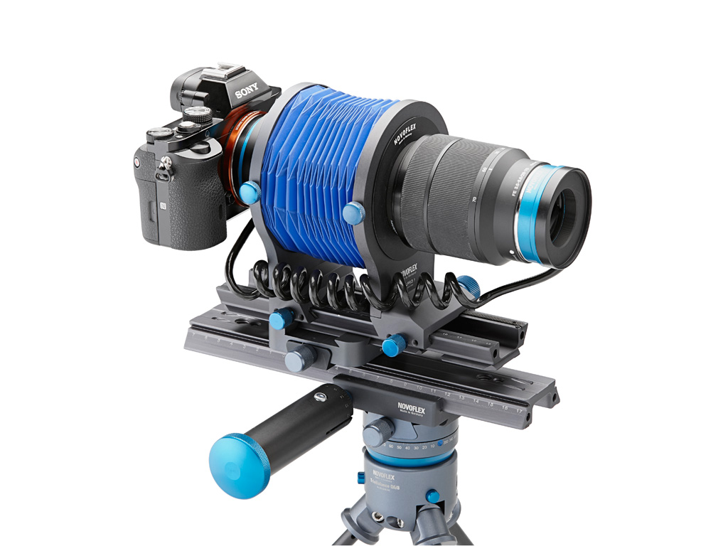 Камера Sony с установленным реверсивным адаптером Novoflex Retro