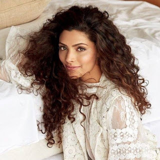 Saiyami Kher age, mother, hot, cricket, parents, family, father, photos, father name, biography, movies, kingfisher, anupam kher daughter, feet, harshvardhan kapoor