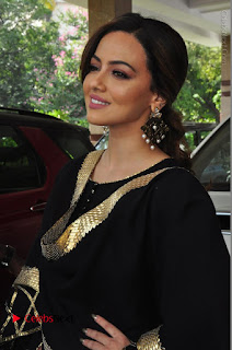 Bollywood Actress Sana Khan Launches Aakrithi Exibition  0153.JPG