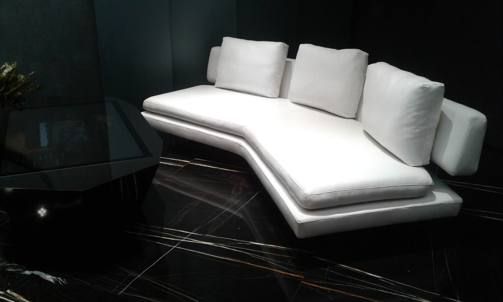 Dynamic wood furniture jati furniture whatsapp for Furniture jakarta