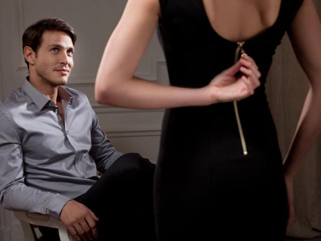 Gia đình hạnh phúc nhà có điều kiện vẫn ngoại tình với sếp
