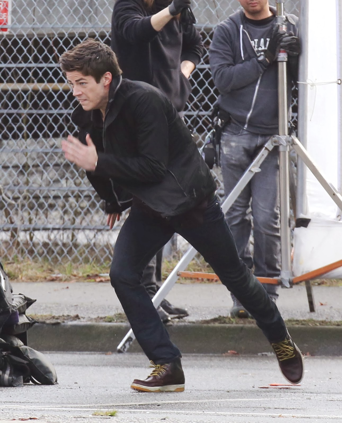 Foto de Grant Gustin en el rodaje de The Flash