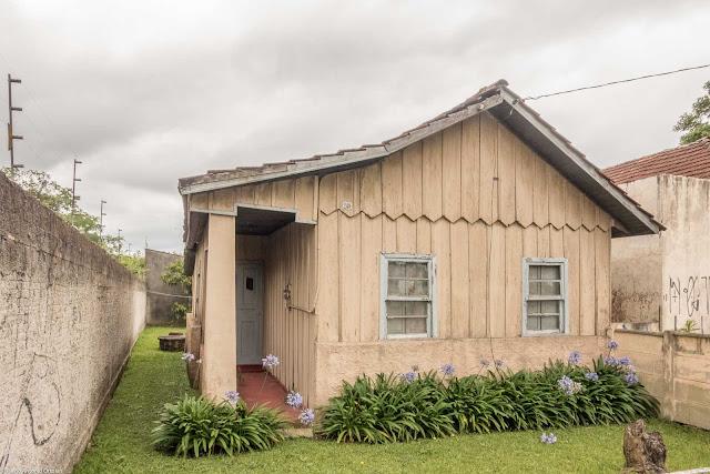 Casa de madeira na Fagundes Varela