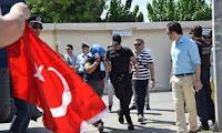Γίναμε διεθνώς Ρεζίλι! — Τους έφυγαν οι Τούρκοι κομάντος που ζήτησαν άσυλο