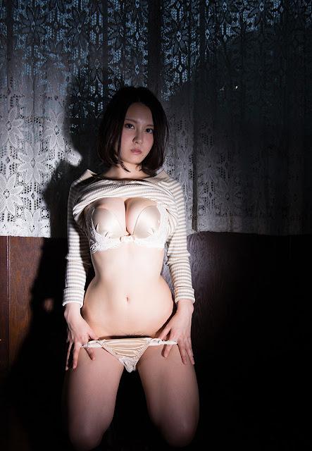 China Matsuoka 松岡ちな Photos 17