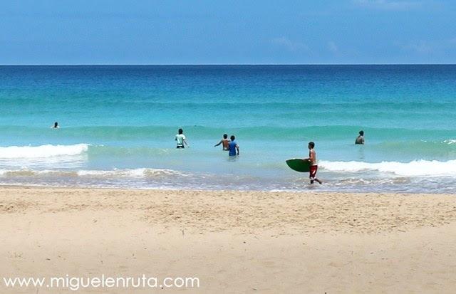 Filipinos-con-tablas-de-surf