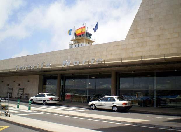 roba taxi en aeropuerto  tenerife norte con bebé en su interior