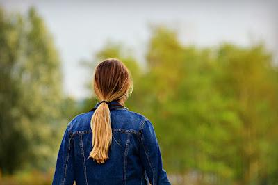 5 Bahaya Menguncir Rambut Bagi Kesehatan dan Solusinya