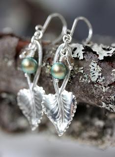 uusiokorut, lusikkakorut, hopeiset korvakorut, hopeakorvakorut