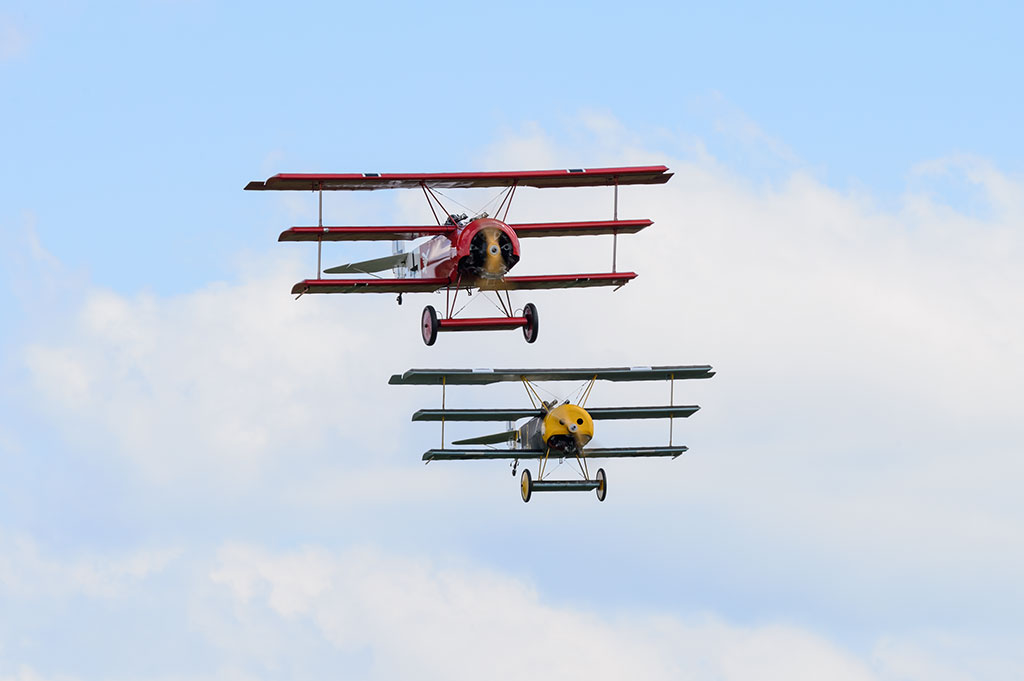 Triplanes flying in formation