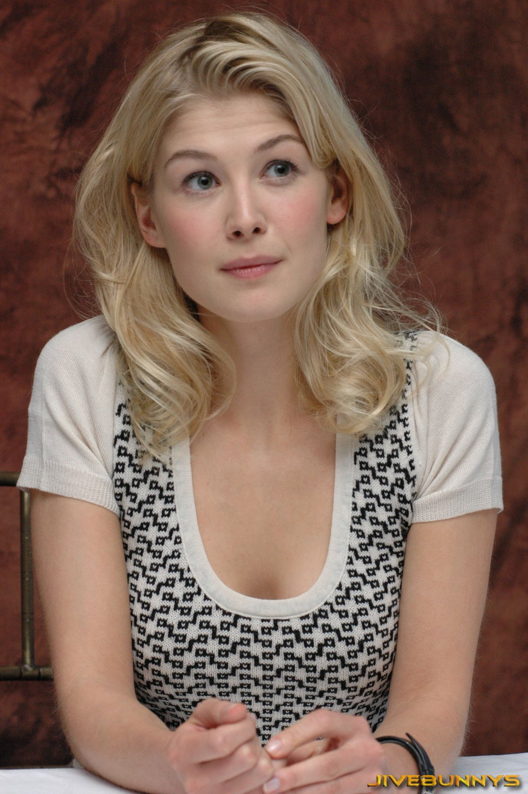 Rosamund Pike Special Pictures 20  Film Actresses-4938