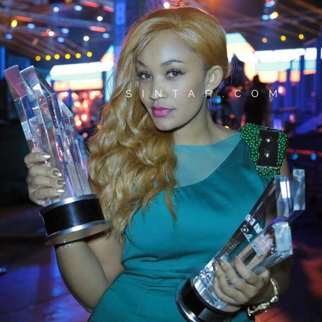 Picha Ya Diamond Akiwa Na Mpenzi Wake Zari The Bos Lady