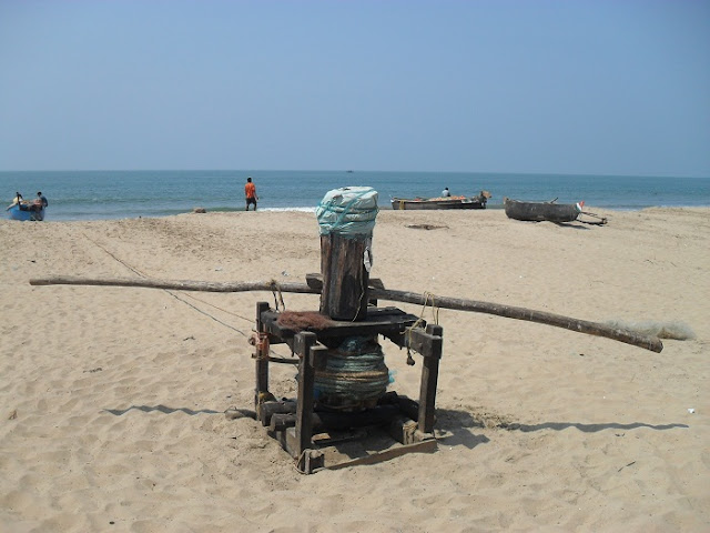 Лебедка для вытаскивания лодок на берег Индийского океана