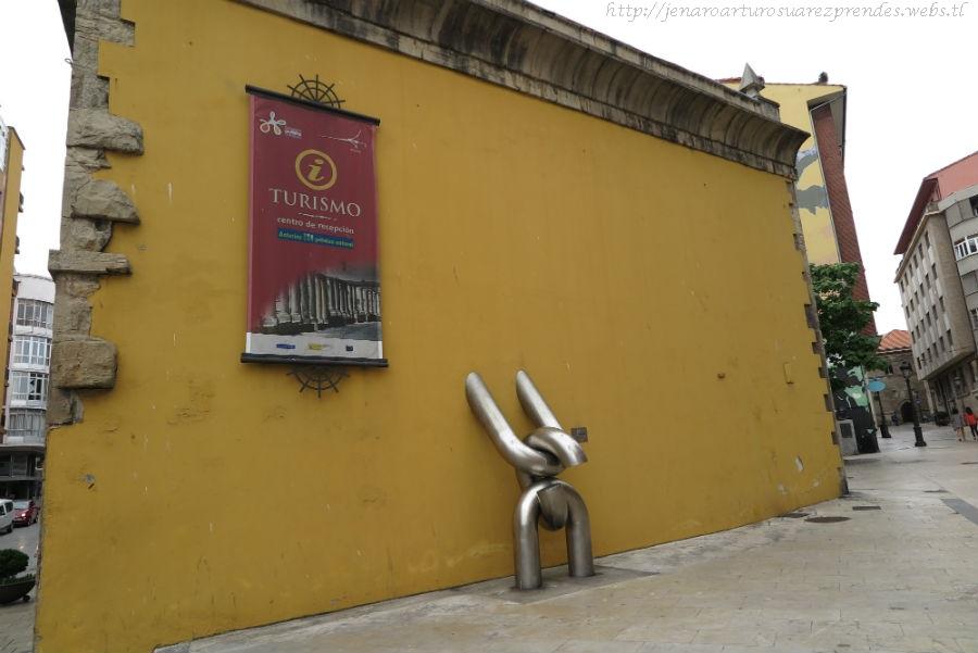 Asturias central esculturas en avil s i de vi for Oficina turismo aviles