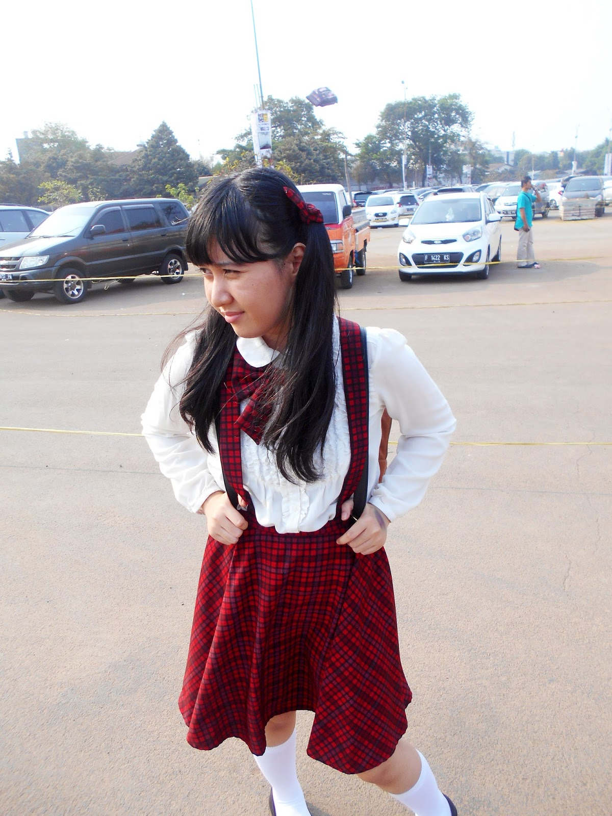 Anime School Girl Bow Tie DIY - AFAID 2015 parking area