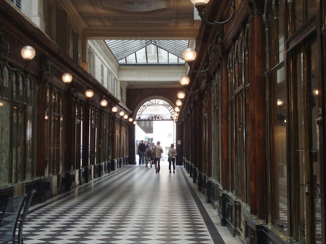 Paris passage