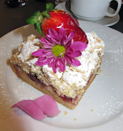 KimberlyK 360: Extraordinary Desserts For My Mom's 66th