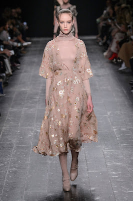 Cool Chic Style Fashion_Valentino Fall 2016 Paris Fashion Week