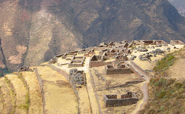 Xvlor.com Písac is Inca city ruins built by Emperor Pachacuti in 1440