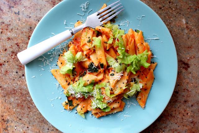 makaron z sosem pomidorowym,wydawnictwo martel, dania siostry Marii,siostra Maria Goretti Guzek,kuchnia wloska,wloski makaron,jak ugotować makaron al dente,skworcu sklep,syrop z agawy,