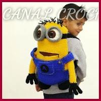 Mochila Minion a crochet
