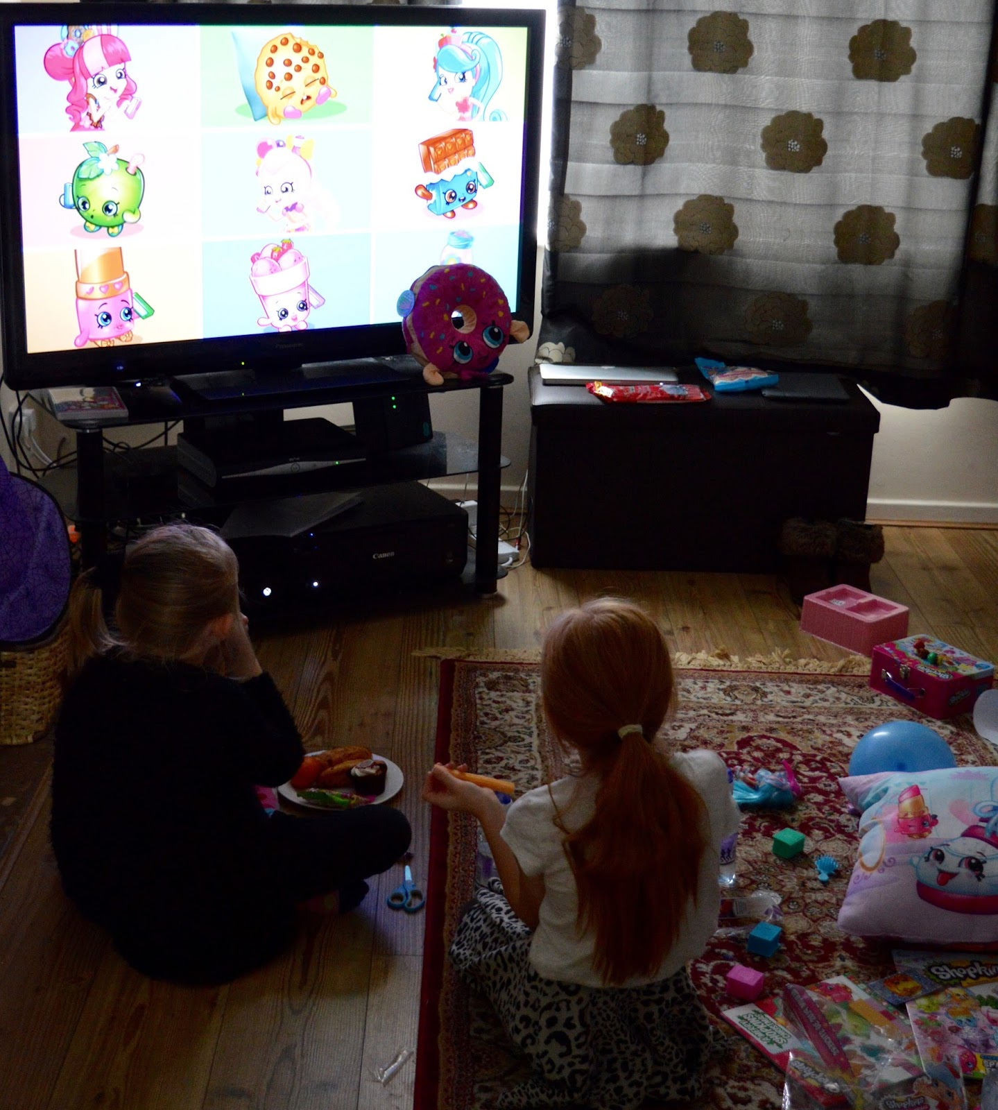 How to host an AWESOME Shopkins Movie Party #ShopkinsChefClub. Shopkins Chef Club Review - TV