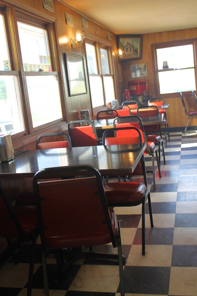 missouri route 66 retro 1950s vntage diner circle inn bourbon