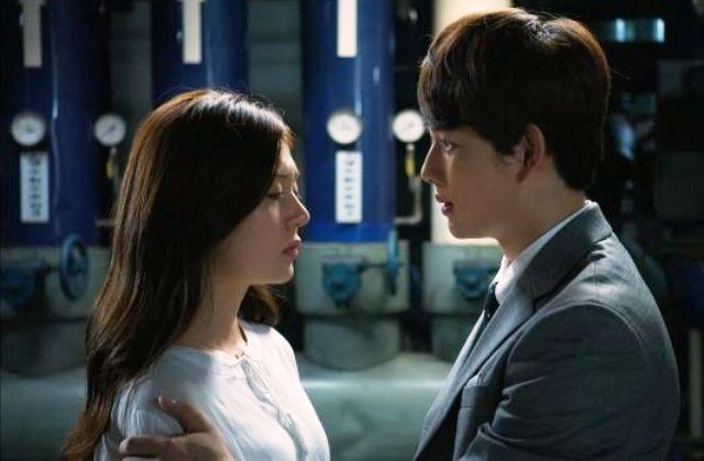 Drama Korea Romantis - Triangle