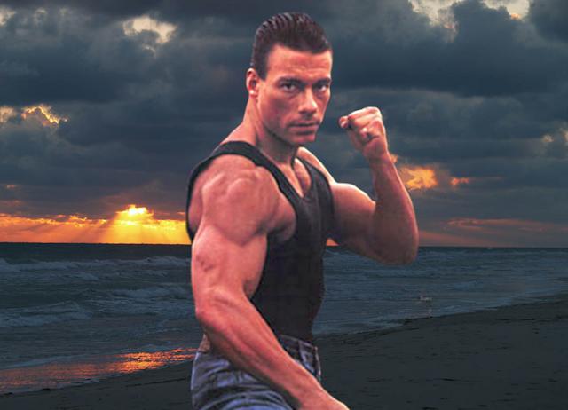 Aktor Hollywood Van Damme Ikuti Sunnah Rasul: Daging Babi Kotor dan Tak Sehat!