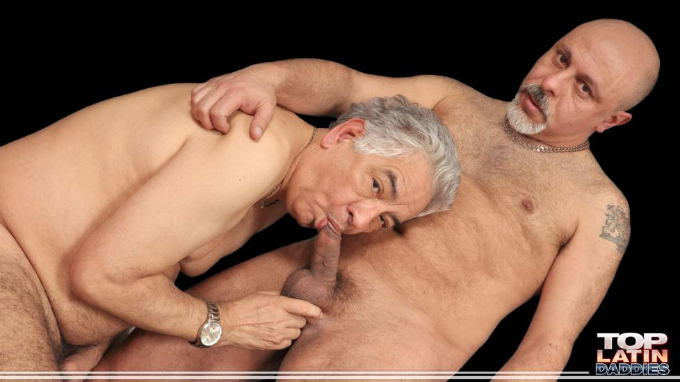 older gay men shooting up meth and fucking bareback
