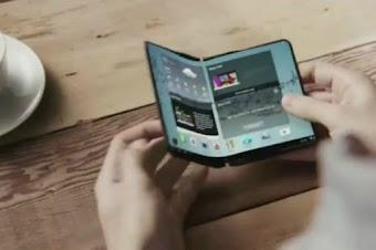 سامسونغ تؤكد أنها ستقدم أول هاتف قابل للطي في العالم
