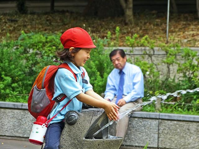 Family Romance, Jasa Sewa cucu atau kakek Di Jepang