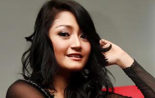 Download Kunci Gitar Siti Badriah – Terong Dicabein