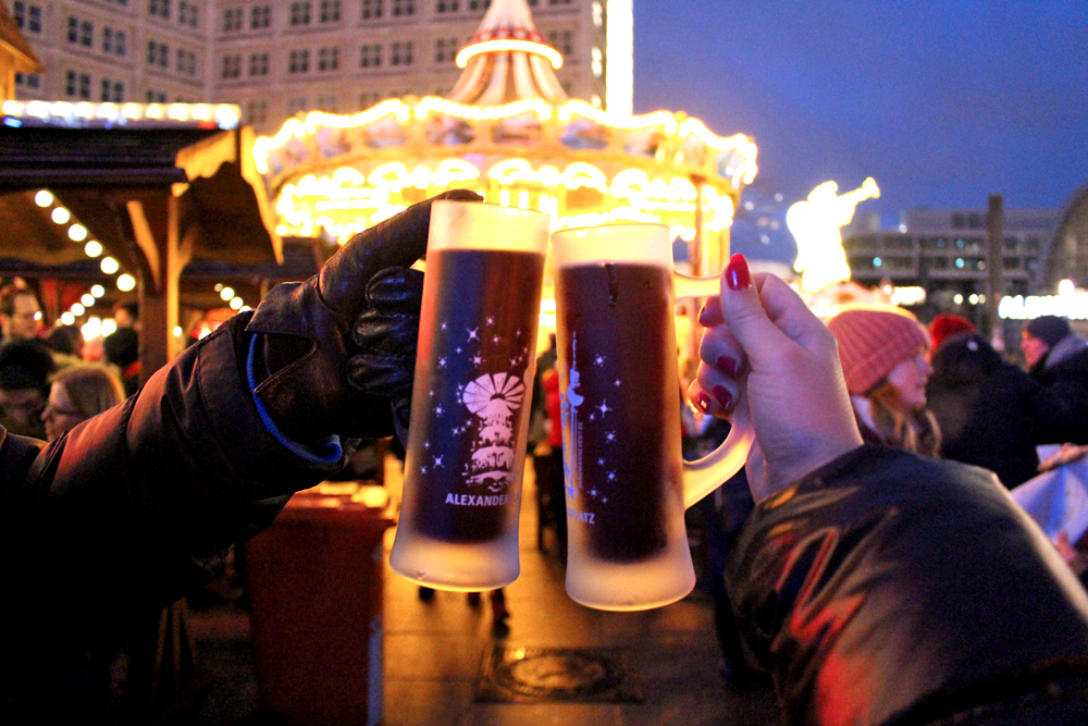Mulled wine at the Berlin Christmas markets - travel & lifestyle blog