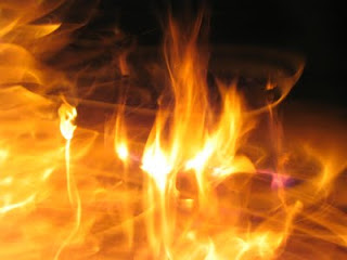 Artikel ini berisi arti mimpi api kecil, arti mimpi api padam, arti mimpi api dan air, arti mimpi api besar, arti mimpi api dan kebakaran, arti mimpi api menyala, arti mimpi api kompor, arti mimpi api kebakaran,
