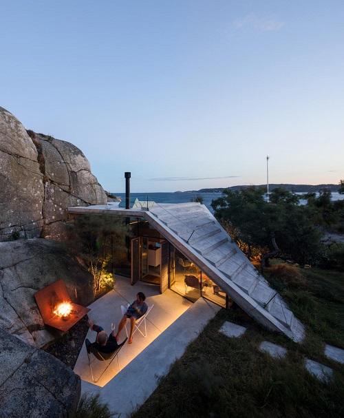 Fotos cool: pequeñas construcciones hiper modernistas en medio de la naturaleza construidas sobre las rocas. Arquitectura moderna contemporanea.
