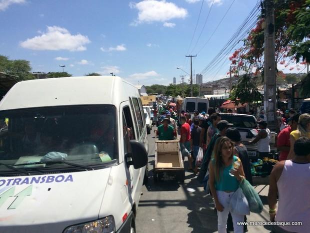 Feirantes são consultados sobre realização da Feira da Sulanca aos domingos em Caruaru