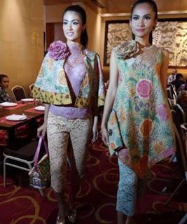 Trend Baju Batik dan Kebaya Lace Tahun 2017 Terbaru Anne Avantie