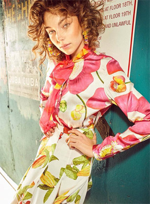 Isolda verão 2017 blusa manga longa com laço e saia midi com pregas