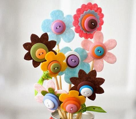 Keçeden Düğmeli Çiçek Yapımı