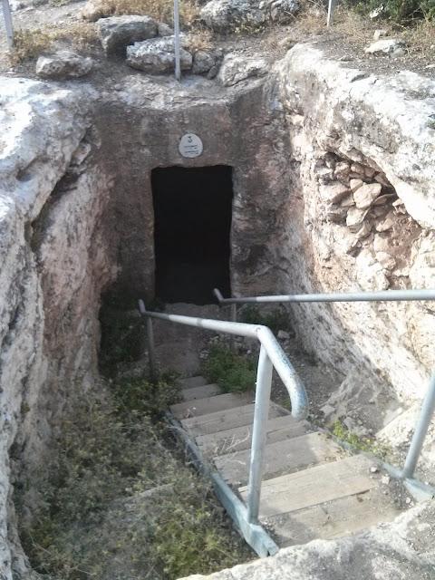 הכניסה למערה בחירבת עיתרי