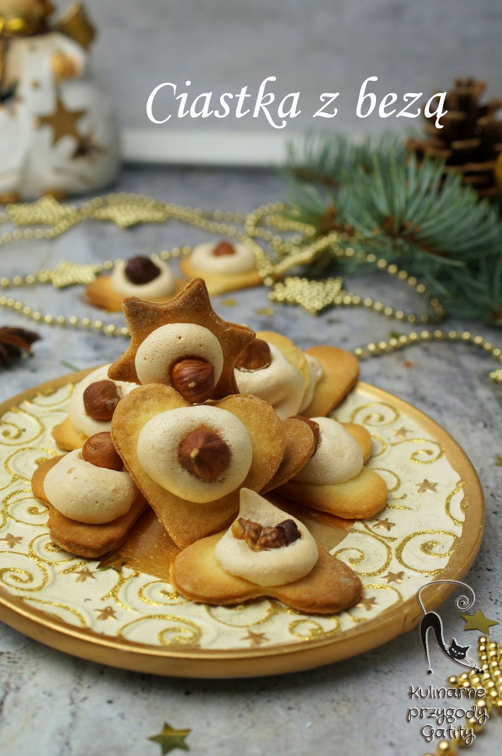 ciastka-na-zlotym-talerzu