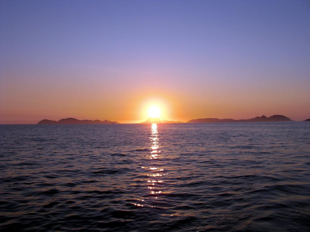 Pensamientos y cosas del coraz n me encanta mirar el mar for Hora puerta del sol
