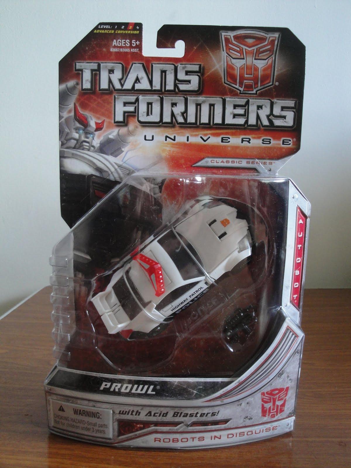 Universe Prowl Transformers Classics